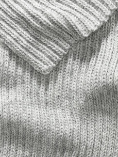 Strickschal grau melange Detail 3