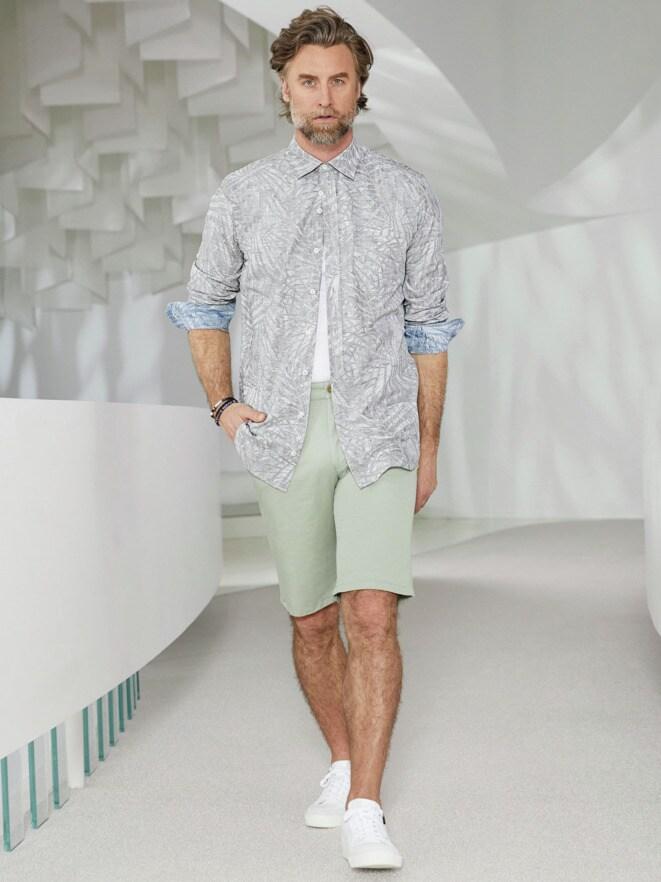 Outfit Kunstdruck-Hemd